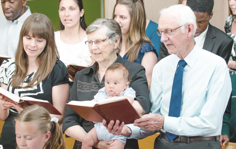 Familie in der Kirche, Generationen