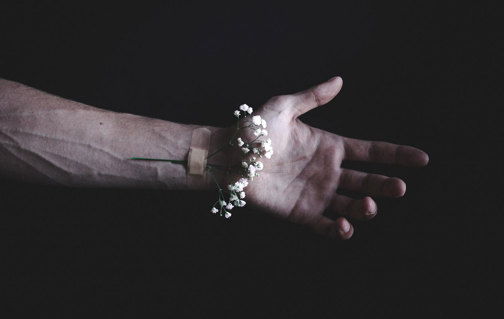 Reparierte Hand