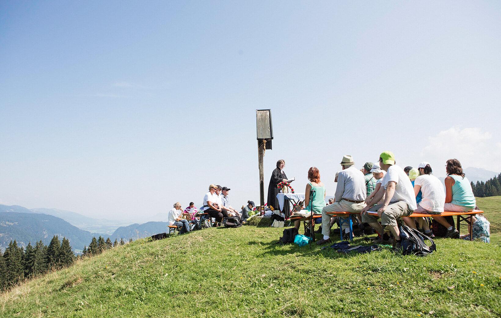 Raus gehen: Berg-Gottesdienst