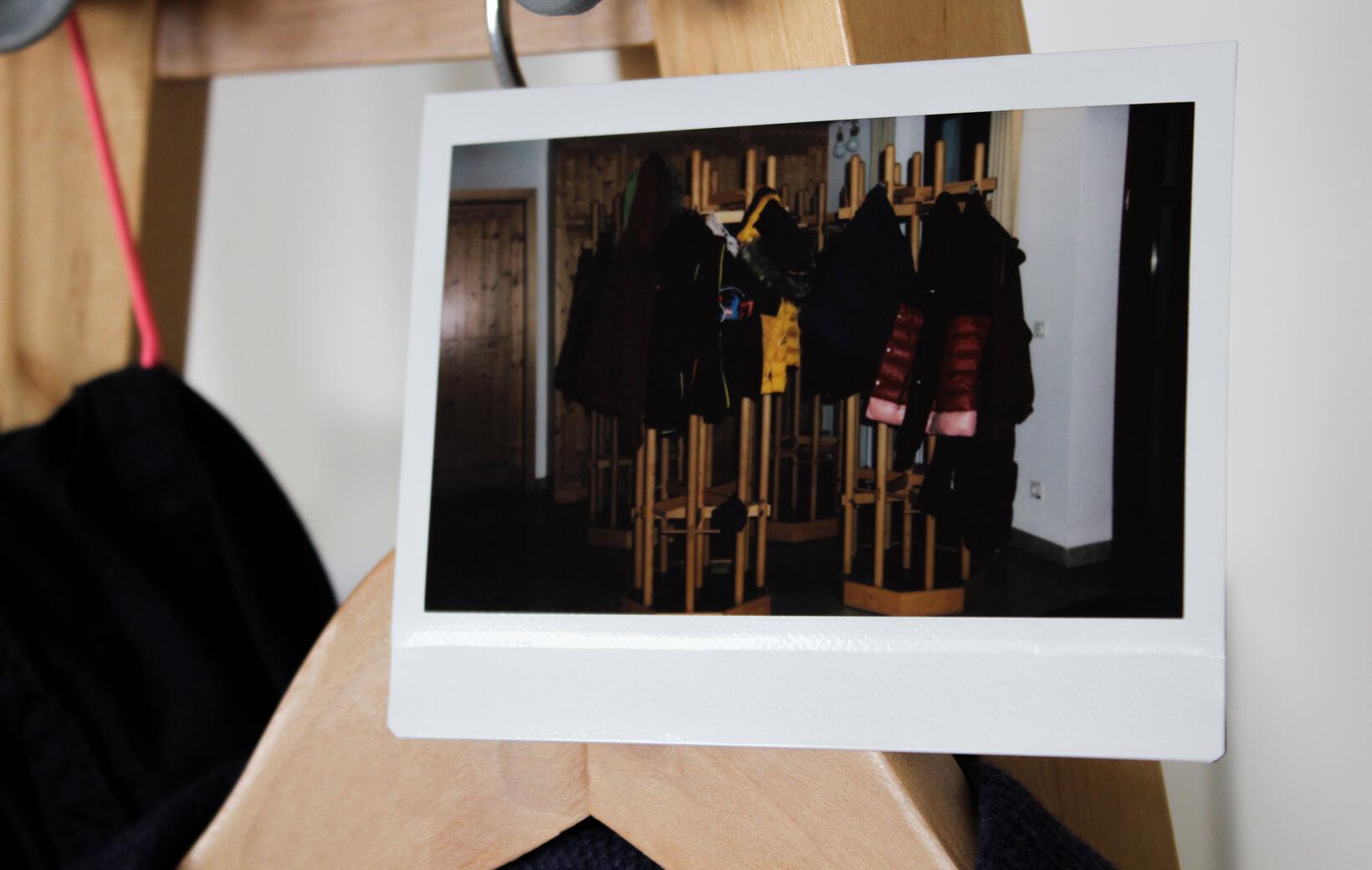 Polaroid: Garderobe